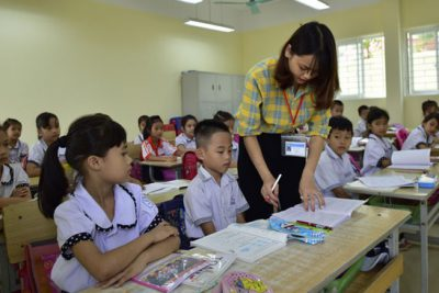 Theo Luật Giáo dục 2019, giáo viên sẽ phải đi học để đủ chuẩn đào tạo theo quy định mới